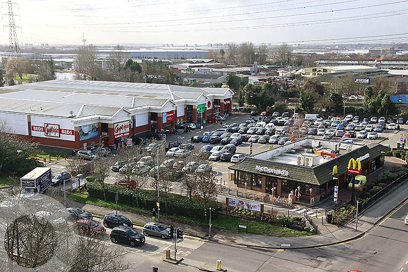 Highbridge Retail Park - Picture 4